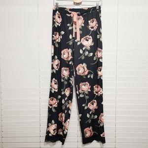 NWT! LA VIE EN ROSE Lace Trim Pyjama Pants